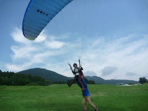 【半日体験・初心者歓迎】人気コース!パラグライダーでふわっと浮遊体験