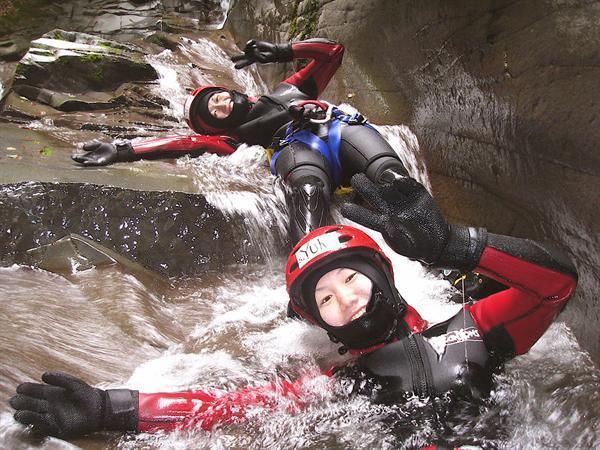 【長野・白馬・キャニオニング】13mの滝に挑戦!白馬キャニオニング1日ツアー