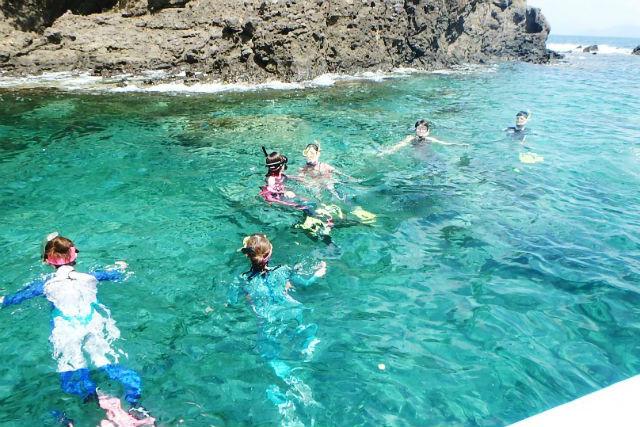 【大阪・スキンダイビング・日帰り】ボートで若狭湾沖へ!無人島周辺のクリアな海を楽しもう!