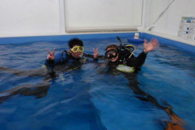 【体験ダイビング】まずは屋内で体験★温水プールコース★ダイビング冊子プレゼント