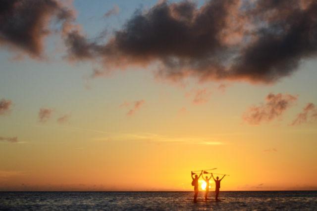 【沖縄・石垣島・SUP】極上のサンセットタイムを!オレンジに染まる海をSUPクルージング