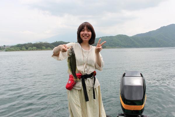 【半日体験】観光も楽しめる♪河口湖でお手軽バス釣り体験★写真プレゼント