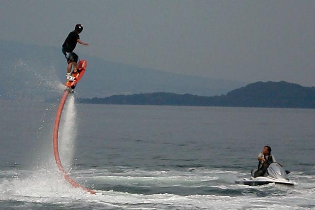 【長崎・ジェットボードウェイク】空飛ぶウェイクボード!ジェットボードウェイク体験