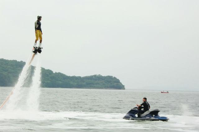 【長崎・マリンスポーツ】最先端コラボ!ジェットパック・ジェットブレード・ジェットボードが一つに!