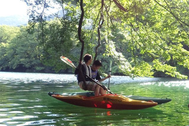 【埼玉・秩父・カヤック】玉淀湖で、優雅にパドリング。一人乗り・カヤックプラン
