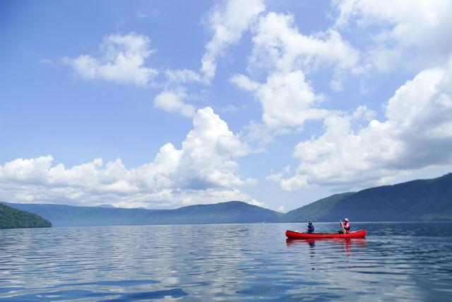 【青森・十和田湖・カヌー】ゆったりと水上散歩。魅力いっぱい十和田湖カヌー(午前or午後)