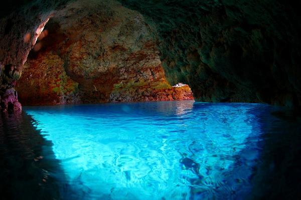 【沖縄・恩納村・体験ダイビング】青の洞窟ダイビング&熱帯魚の餌づけを楽しもう!
