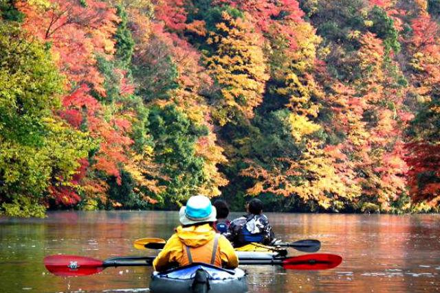 【千葉・亀山湖・カヌー】鳥のさえずりや、木々のざわめきに耳をかたむけて。亀山湖カヌープラン