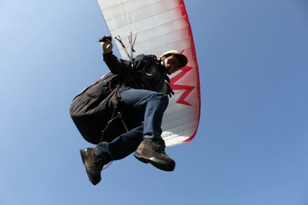 【岐阜・パラグライダー】ふわっと浮く感覚にドキドキ!徹底された安全環境でのんびり空のお散歩