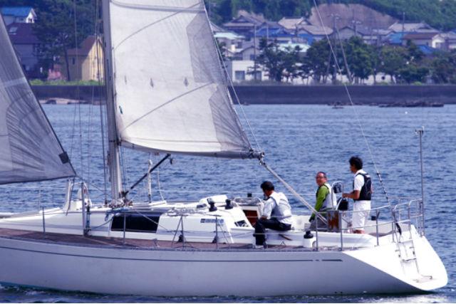 【神奈川・葉山・ヨット体験】資格不要のヨットクルージング!操縦方法も学べる1日