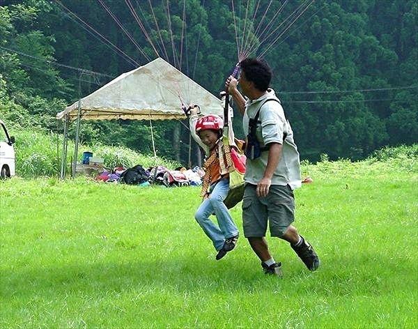 【兵庫県・神鍋高原・パラグライダー】小さなお子さんでも飛べます!ファミリー対象半日体験※限定価格※