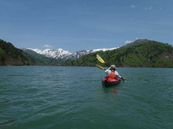 【みなかみ・カヌー】奥利根湖でのんびりカヌー体験!豊かな自然を満喫しよう