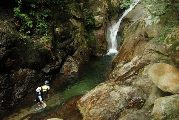 【一日・沢登り体験】屋久島の大自然を満喫★シャワークライミング
