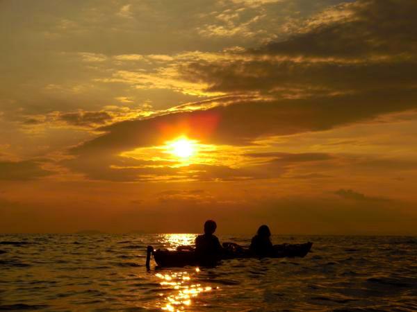 【香川・シーカヤック・サンセット】夏期限定!極上の夕日を眺めるサンセット・トリップ
