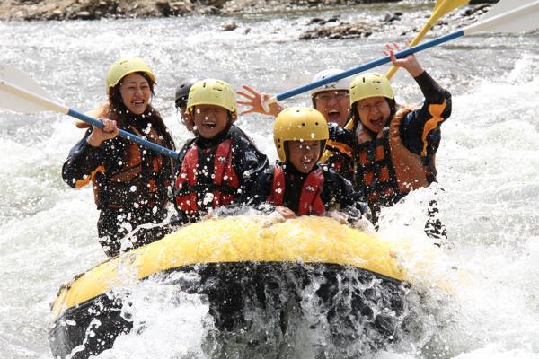 ニセコ尻別川ラフティング・半日ツアー!