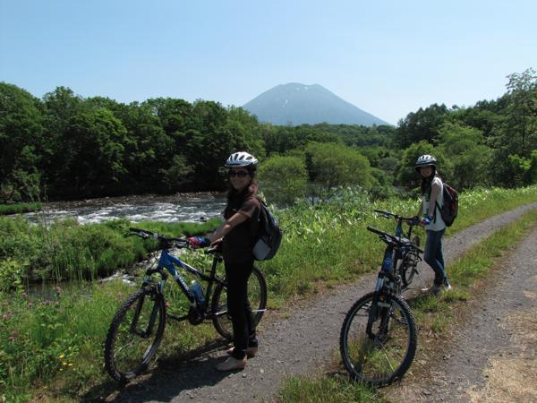 【北海道・ニセコ・サイクリングツアー】現地スタッフがご案内♪ニセコのんびりサイクリング