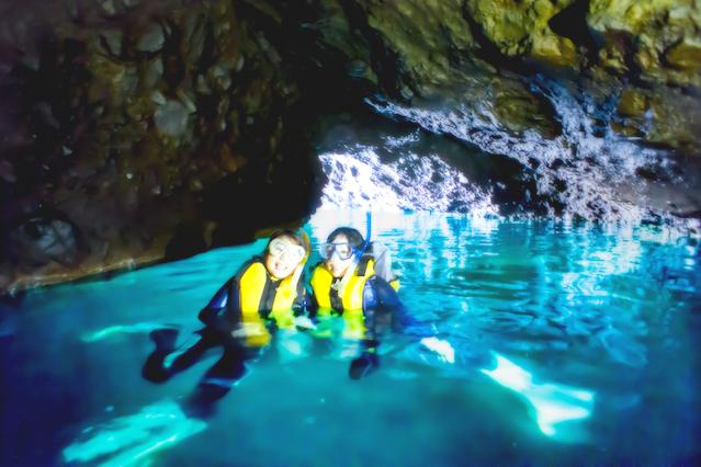 【北海道積丹半島・シュノーケリング】積丹半島・青の洞窟・輝く海でシュノーケリング
