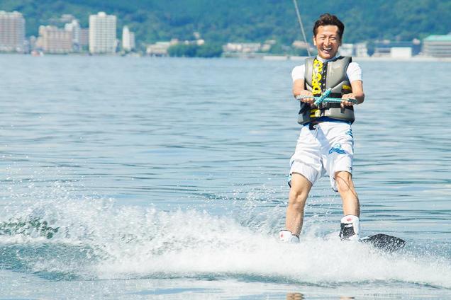 滋賀・琵琶湖・ウェイクボード(体験時間・約15分〜20分)