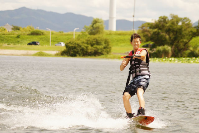 滋賀・琵琶湖・ウェイクボード(グループ向け・90分貸切)