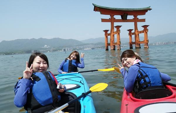 【広島・宮島・カヤック】宮島観光にピッタリ!海の上から見る、厳島神社・大鳥居ツアー