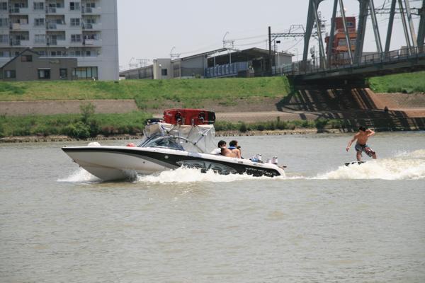 【初心者歓迎!】東京近郊で楽しくウェイクサーフィン体験☆