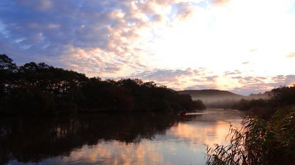 【北海道・釧路川・早朝・カヌー】1日の始まりを見に行こう。朝焼けを見られる釧路川カヌーツアー