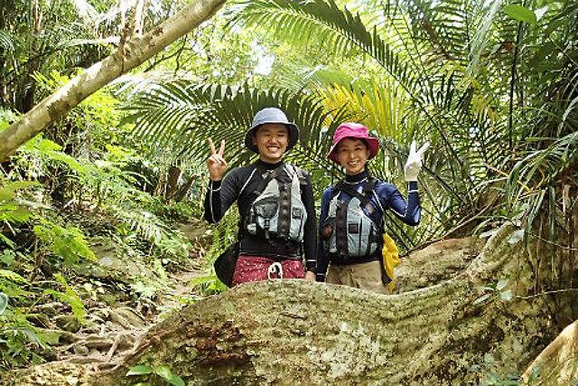 【沖縄・西表島・トレッキング】「ピナイサーラの滝」を目指す!カヌー&トレッキングツアー