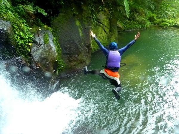 【西表島・マングローブカヌー】大自然を遊びまくろう!アダナデの滝トレッキング&カヌー