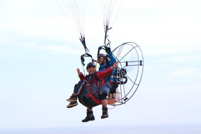 【北海道・浦幌町・パラグライダー】タンデム飛行でトライ!北海道を空から眺  める約10分間の空中散歩