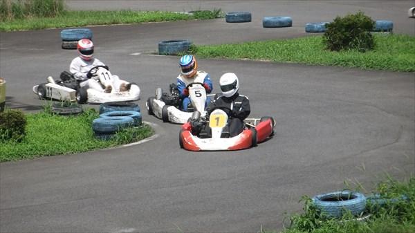 【レースパック】5名様からOK!気の合う仲間とレース体験も☆グループパック