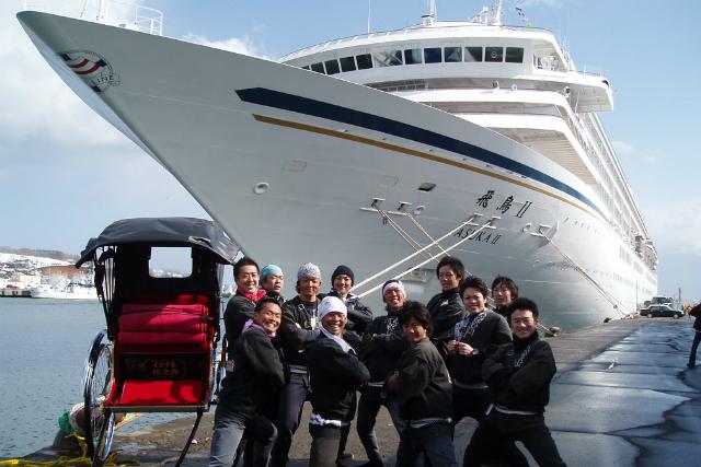 【北海道・小樽・人力車・120分貸切】人力車からレトロな風情を満喫!異国情緒にまどろむ旅路を