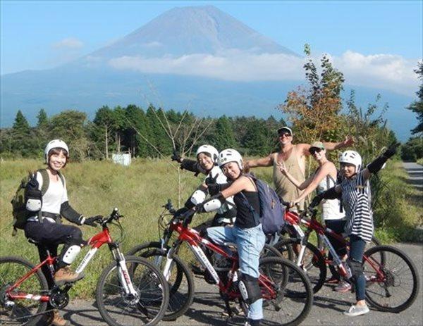富士山・朝霧高原 半日マウンテンバイクツアー