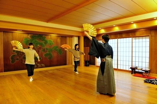 【能役者体験】まずは体験!日本の伝統文化、能を京都で楽しむ!