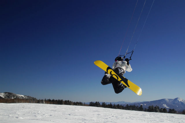 【長野県・スノーカイト】長野県内各地で開催!じっくりマスターできるスノーカイト満喫の2日間