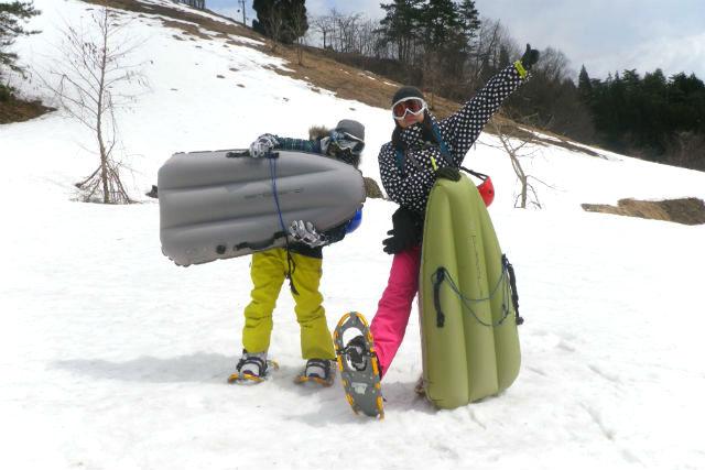 【岐阜・高山市・エアボード】スノーシュー散歩とエアボードを楽しむ半日ツアー