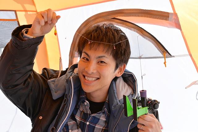 【北海道・富良野・ワカサギ釣り】冬の風物詩・ワカサギ釣り!初心者でも気軽に挑戦できます