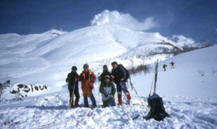 【北海道・大雪山・スノートレッキング】送迎付きで楽々!気軽に参加できる半日プラン