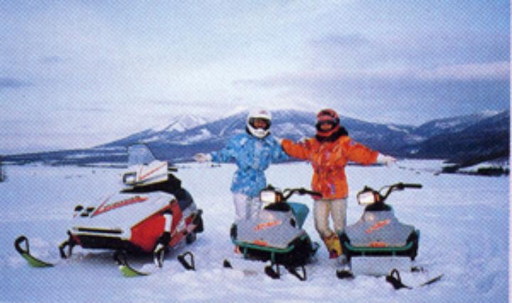 【北海道・富良野・スノーモービル】丘陵地帯を疾走!ロングツーリングを楽しもう