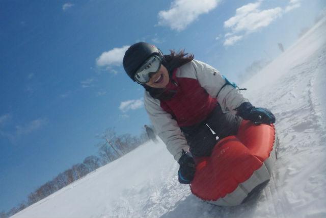 【群馬・みなかみ・スノーシュー】エアボードも楽しめる!冬の遊びをセットで満喫!