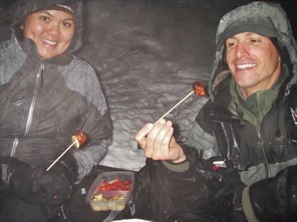【長野・白馬・スノーシュー】雪原でチョコレートフォンデュ!夜のスノーシューツアー
