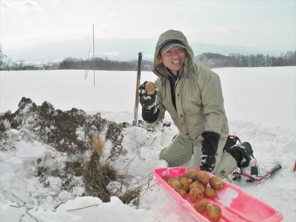 【半日】お腹も満たされ大満足☆雪中いもほり&いももちづくりプラン