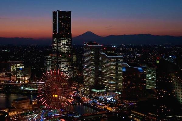 【横浜・ヘリコプター遊覧】プロポーズ成功率100%!ロマンチックなナイトフライト(5分間)