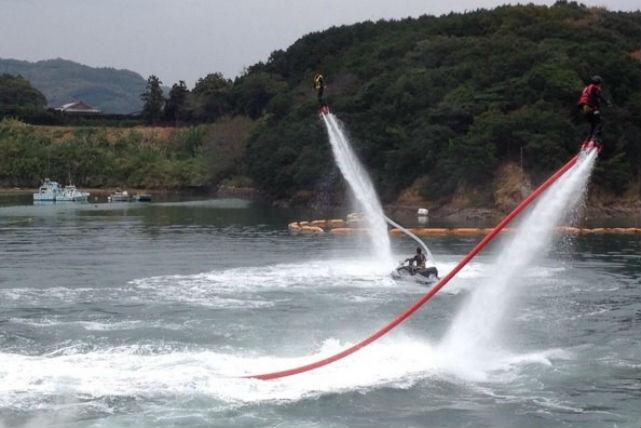 【15分】愛媛県松山の海を飛ぶ!人気のフライボード体験(15分)