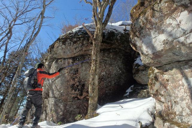 【長野・スノーシュー】ビギナー向けコース!スノーシューを履いて最高峰「茶臼山」の山頂をめざそう