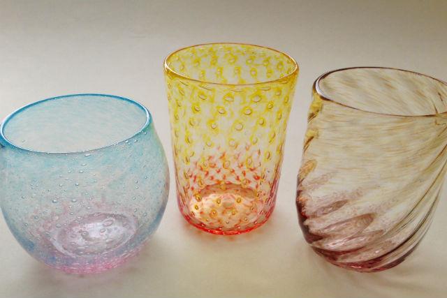 【兵庫・吹きガラス体験】息を吹き込んで作る、色鮮やかなガラス作品(2色)