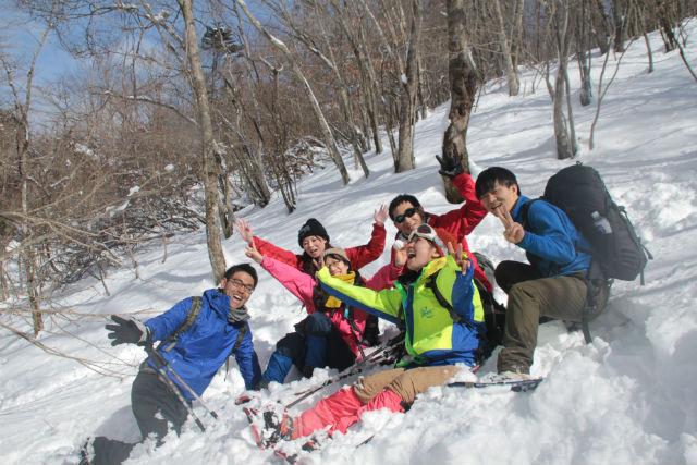 【富士山・スノーシュー】富士山の大自然を踏みしめる!雪の原生林スノーシューハイキング