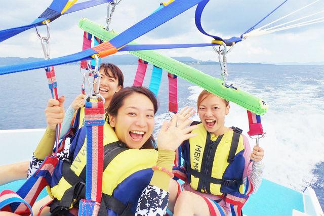 【沖縄・瀬底島・パラセーリング】360°絶景!本島北部パラセーリング