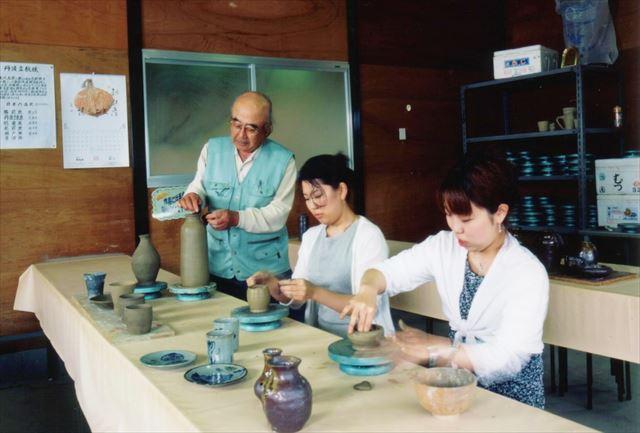 【兵庫・陶芸体験】窯元の職人が丁寧に指導!手びねりの立杭焼で陶芸の醍醐味を味わおう