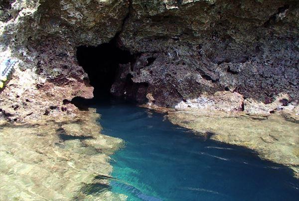 【2時間半・シーズン限定】宮古島のパワースポットを訪ねよう!鍾乳洞探検プラン