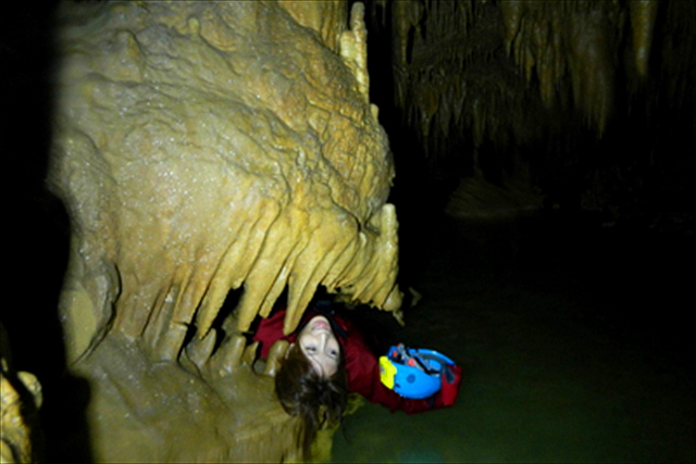【鹿児島・沖永良部島・ケイビング】ケイビングで自然の造形美&冒険気分を楽しもう!大蛇洞コース